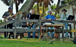 band-under-oaks-nov-2015